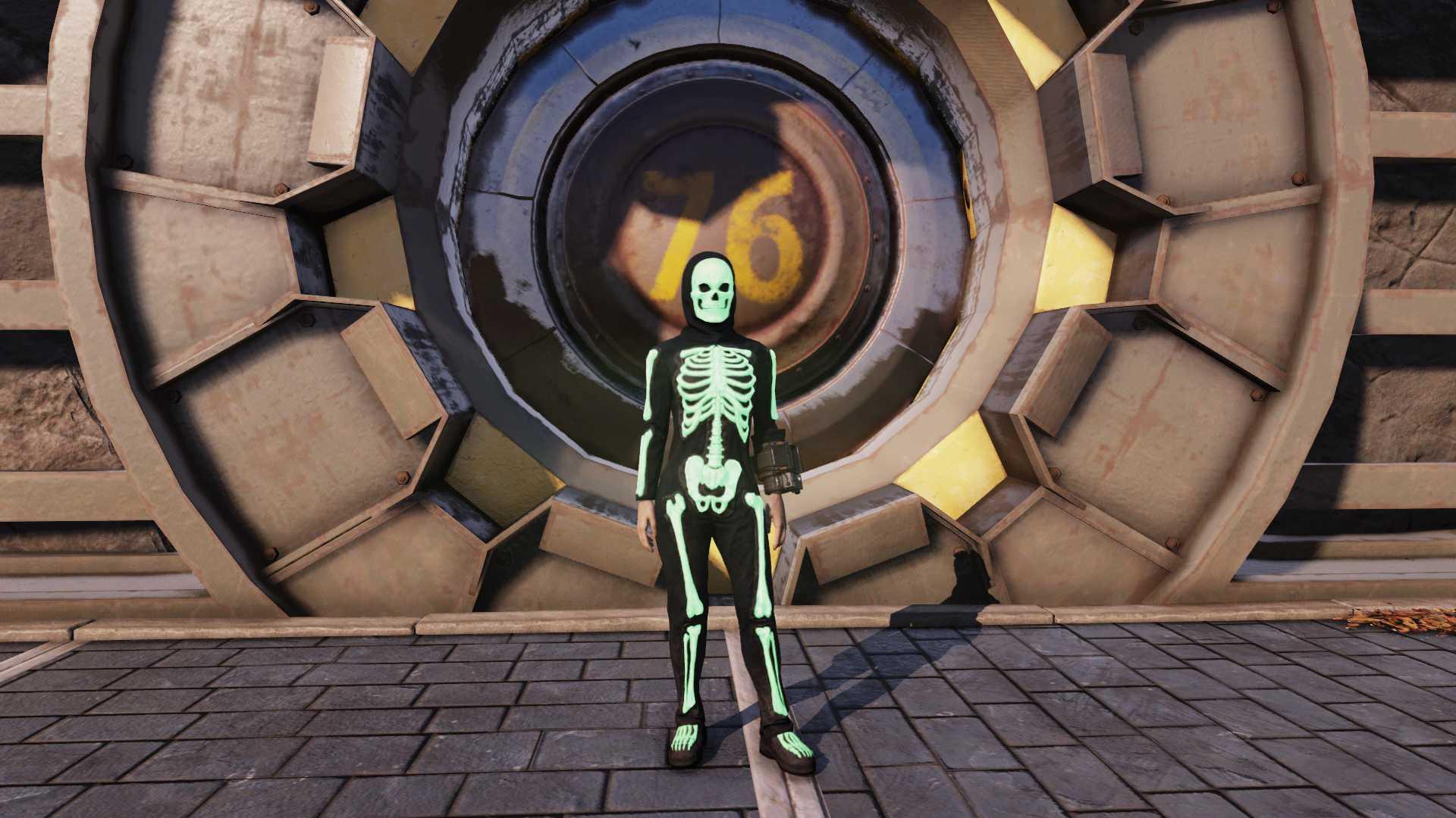 [Rare outfit] Glowing Skeleton Costume + Glowing Skeleton Hood